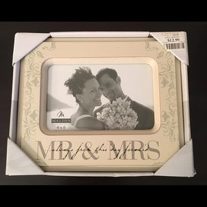 New Mr & Mrs Bridal Bride Wedding Gift Frame